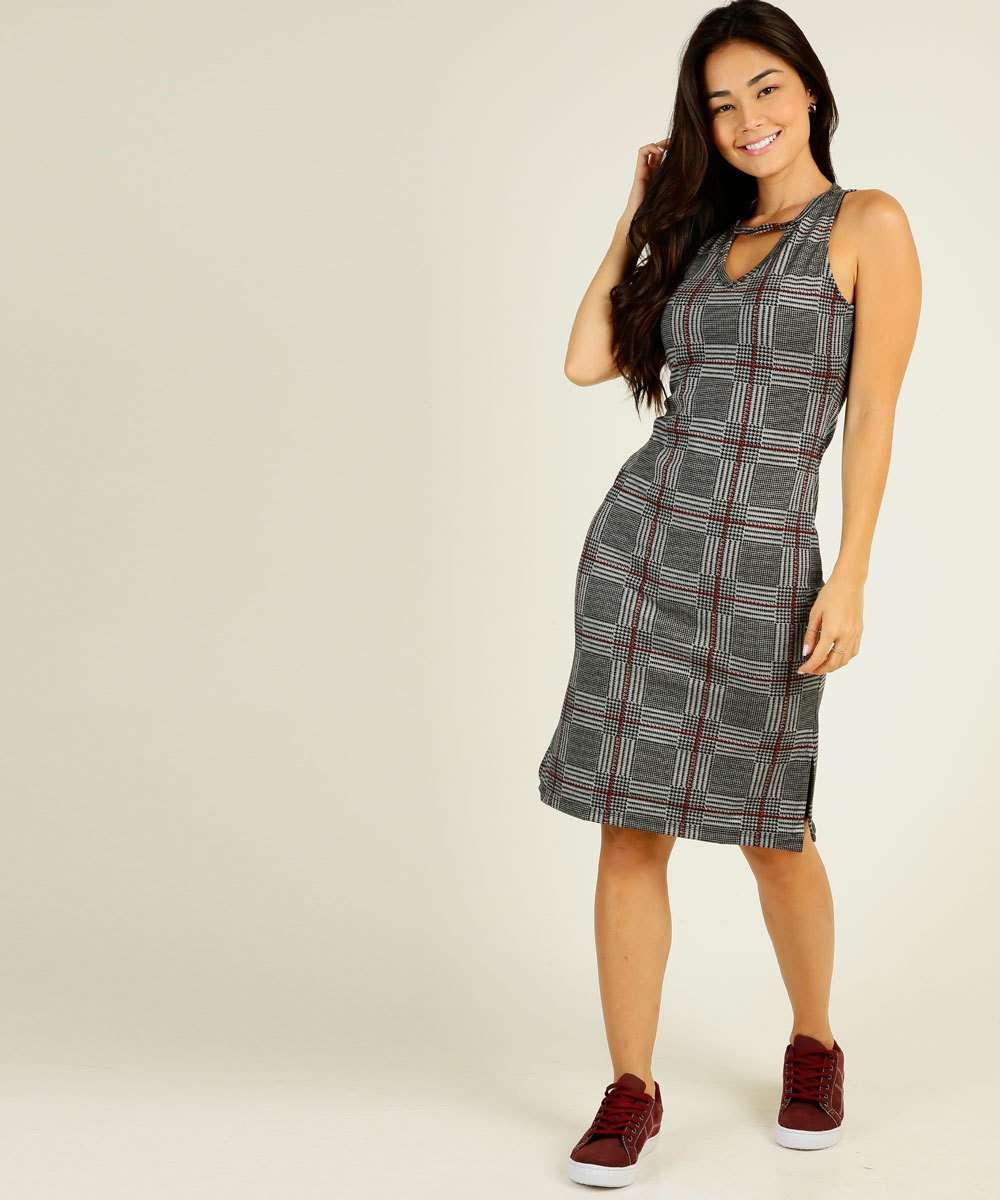 Vestido Feminino Midi Vazado Xadrez