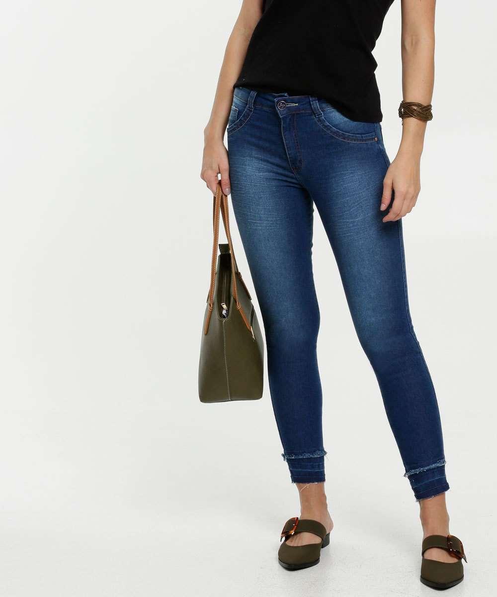 Calça Feminina Jeans Barra Desfiada Skinny Biotipo