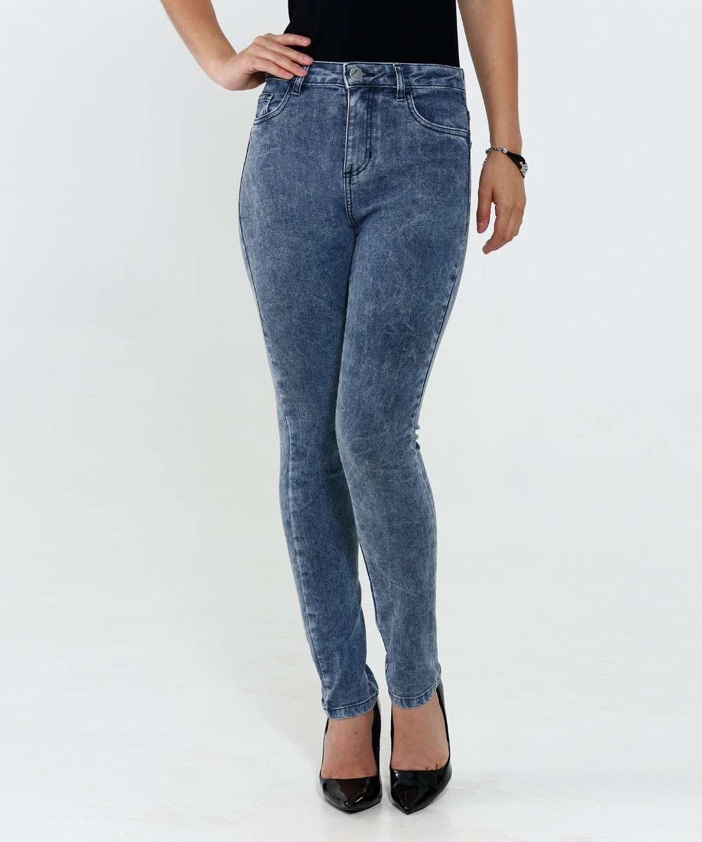 Vestido feminino em jeans marmorizado marisa