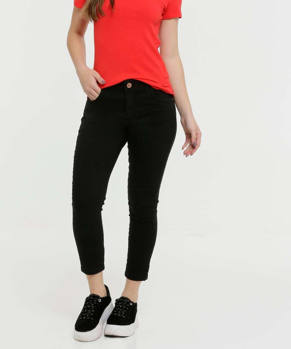 Calça Feminina Sarja Capri Zune Jeans
