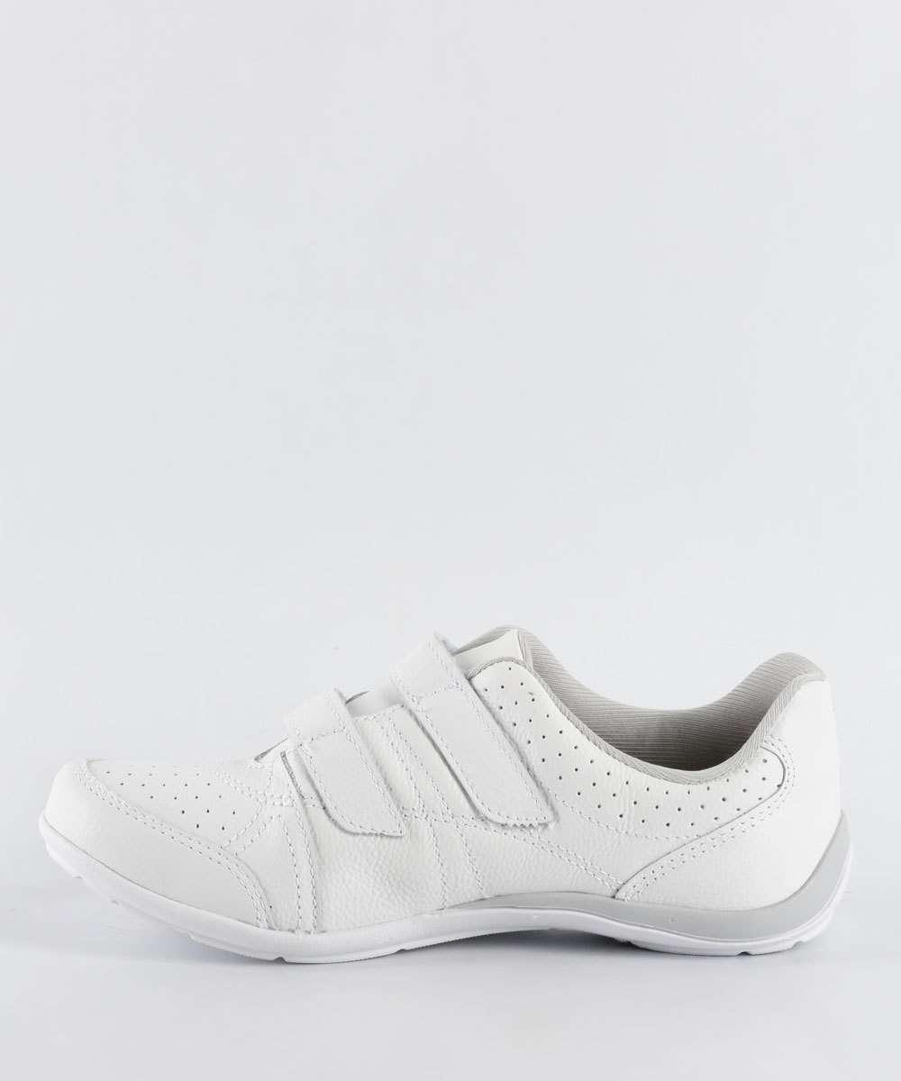 4cb7bf3516 ... Calçados Femininos · Tênis Feminino  Casual. 35% OFF. 1