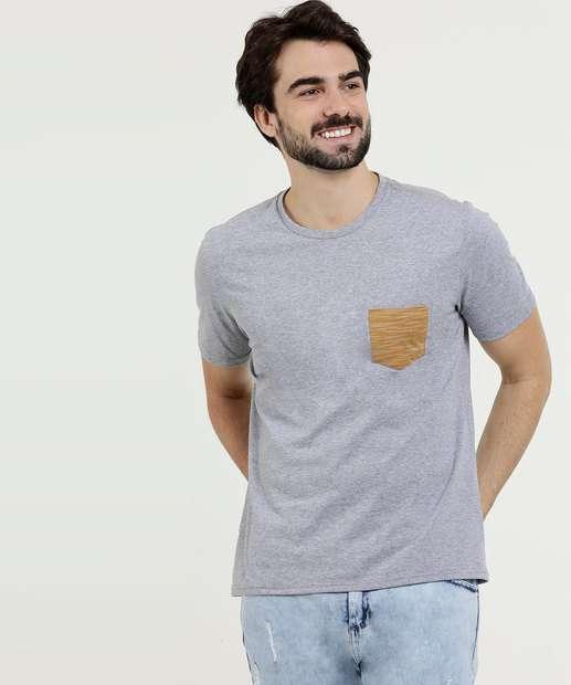 ab6ae56d9e Camiseta Masculina Bolso Manga Curta MR