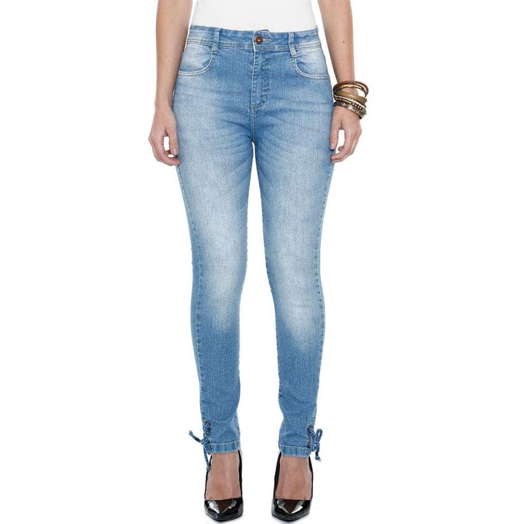 ef226ef6e ... Calça Jeans Feminina  Calças Skinny. 48% OFF. 1