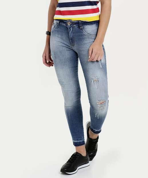 ed008cfd70 Calça Feminina Jeans Cigarrete Destroyed Biotipo