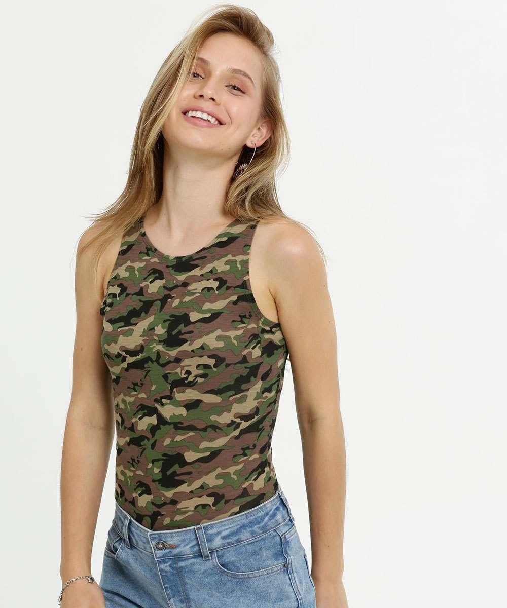 Body Feminino Estampa Camuflada Sem Manga Marisa