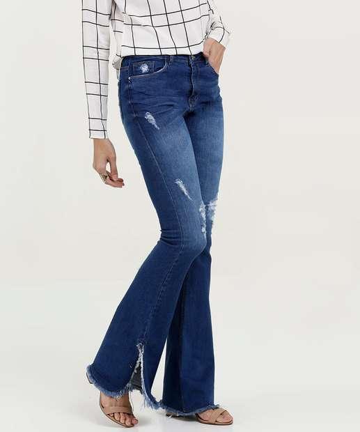 d2194c6d3 Calça Feminina Flare Puídos Barra Desfiada Five Jeans